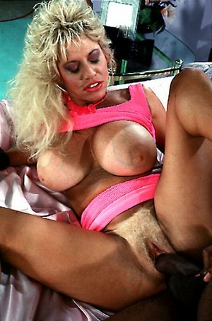Big titted seventies lady loves a black  - Picture 7
