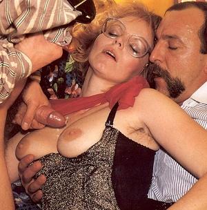 Seventies lady enjoys two big stiffy dic - XXX Dessert - Picture 3