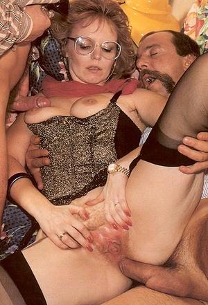 Seventies lady enjoys two big stiffy dic - XXX Dessert - Picture 4
