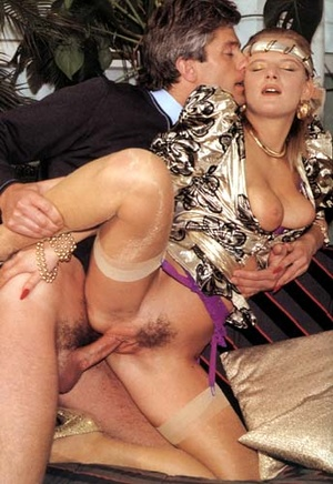 Horny seventies lady stuffed rough in he - XXX Dessert - Picture 6