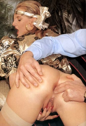 Horny seventies lady stuffed rough in he - XXX Dessert - Picture 8