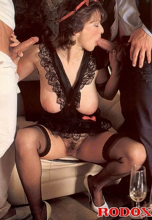 Big titted seventies lady receives two b - XXX Dessert - Picture 8