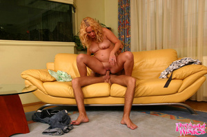 Smooth playa gets a blowjob from a hot b - XXX Dessert - Picture 9