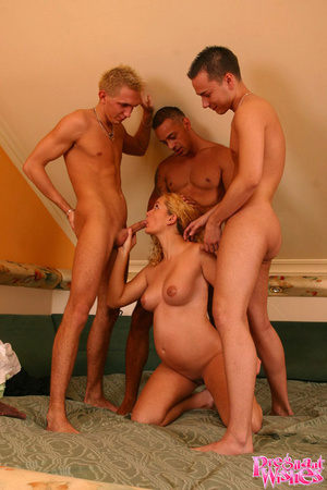 Blonde pregnant cutie with shaved pussy  - XXX Dessert - Picture 6
