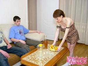 2 friends visiting their pregnant neighb - XXX Dessert - Picture 4