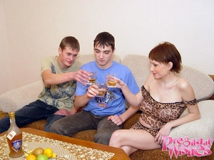 2 friends visiting their pregnant neighb - XXX Dessert - Picture 5