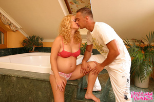 Pregnant blonde with curly hair getting  - XXX Dessert - Picture 1
