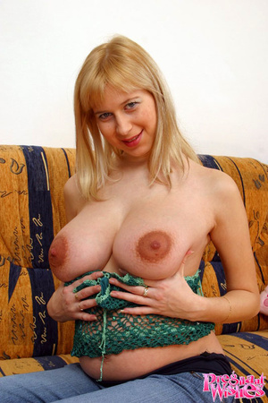 Busty preggo with huge areolas shows muc - XXX Dessert - Picture 3