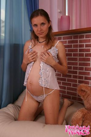 Beautiful pregnant lady with small titti - XXX Dessert - Picture 10