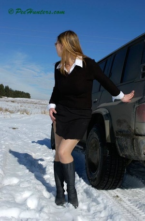 Teen peeing on snow near the car - XXXonXXX - Pic 2