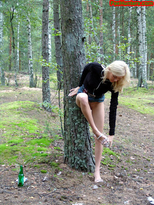 Exciting blonde teen peeing in the park - XXXonXXX - Pic 12