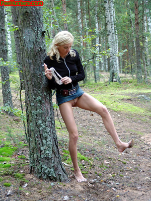 Exciting blonde teen peeing in the park - XXXonXXX - Pic 16
