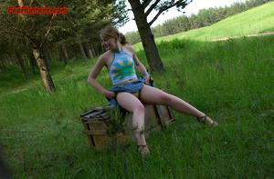 Spying on sexy teen peeing outdoor - XXXonXXX - Pic 3