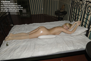 Slim babe Yasmine with oily body and pan - XXX Dessert - Picture 2