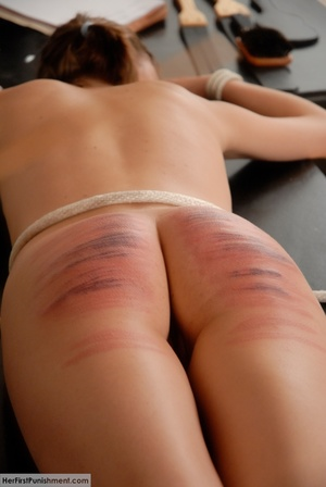 Teen babe gets in custody for a hard spa - XXX Dessert - Picture 11