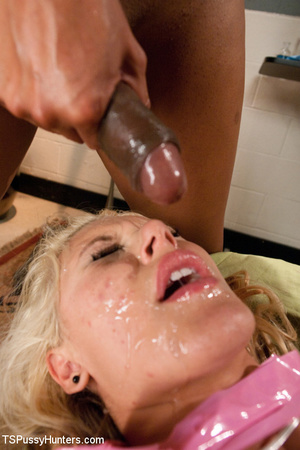 Blonde sexy shaped stunner gets facializ - XXX Dessert - Picture 13