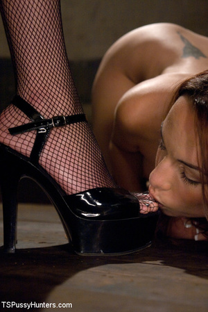 Shaved pussy brunette beauty in hot bdsm - XXX Dessert - Picture 5