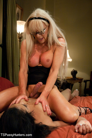 Sex hungry blonde TS milf enjoying hardc - XXX Dessert - Picture 5