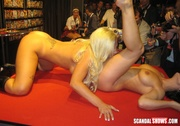 внутренней восточное эротическое шоу секс обожают, когда ебут