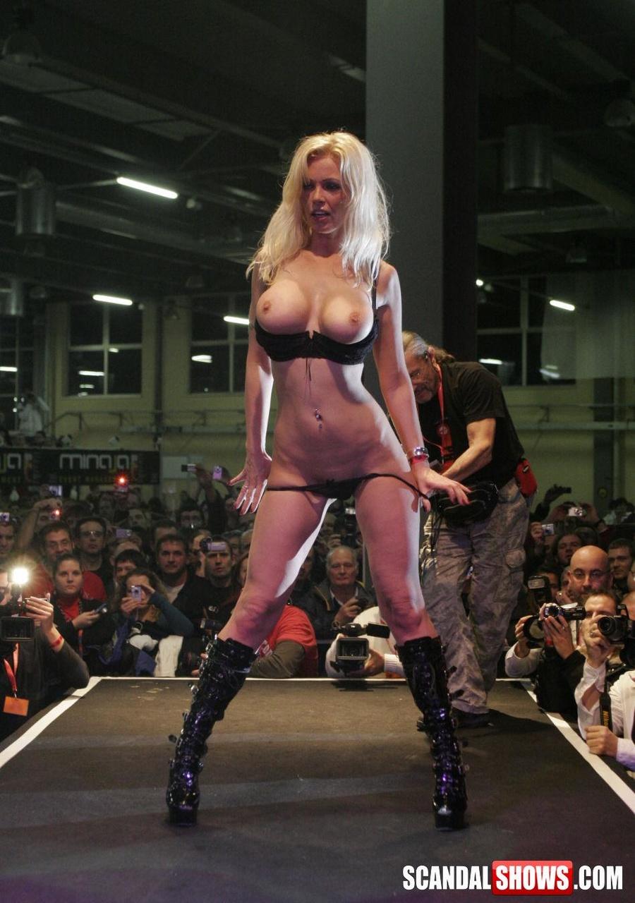 Cassandra ventura naked