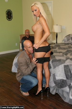 Busty Blonde Wife Fucks a Strange Man - XXX Dessert - Picture 7