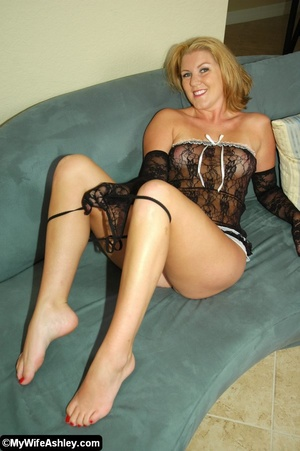 Sexy blonde housewife in black seethroug - XXX Dessert - Picture 10