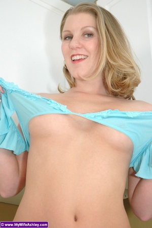 Awesome xxx wife in green outfit slowly  - XXX Dessert - Picture 12