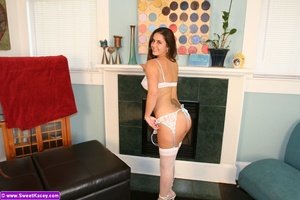 Hot brunette housewife with perfect boob - XXX Dessert - Picture 1