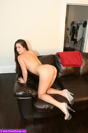 Super hot brunette housewife showing her - XXX Dessert - Picture 14