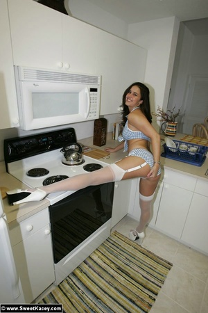 Sexy body horny housewife with perfect t - XXX Dessert - Picture 1