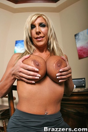 Busty Mom fucks the sales rep for a secu - XXX Dessert - Picture 2