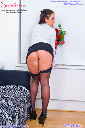 Brunette busty secretary in black stocki - XXX Dessert - Picture 5