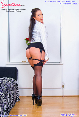 Brunette busty secretary in black stocki - XXX Dessert - Picture 7