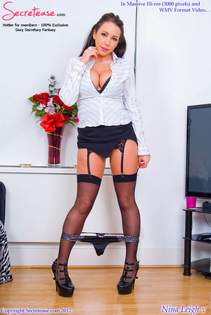 Brunette busty secretary in black stocki - XXX Dessert - Picture 8