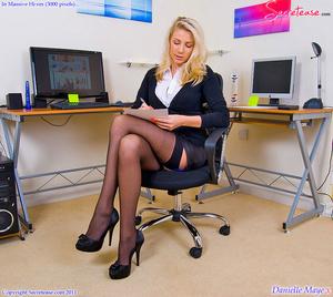Xxx pics of blonde secretary in blue lin - XXX Dessert - Picture 3