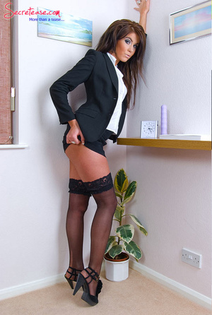 Brunette sexy secretary in crotchless pa - XXX Dessert - Picture 3