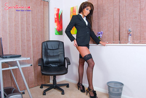 Brunette sexy secretary in crotchless pa - XXX Dessert - Picture 4