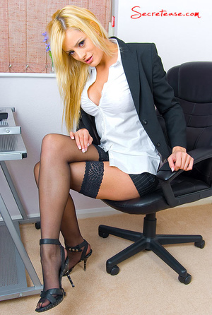 Petite body blonde office girl in black  - XXX Dessert - Picture 1