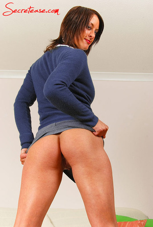 Perfec butt and boobs brunette college g - XXX Dessert - Picture 7