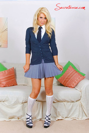 delicious blonde babe kneesocks