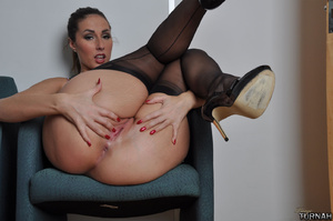Real sexy milf beauty in black stockings - XXX Dessert - Picture 7