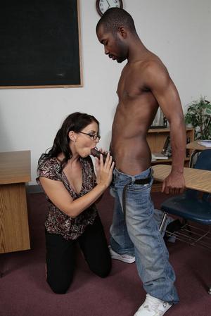 Milf Teacher Interracial Porn - ... Interracial porn pics of brunette milf t - XXX Dessert - Picture 2 ...