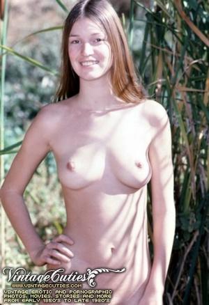 Superb outdoor vintage nudes of mature b - XXX Dessert - Picture 2