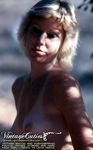 Superb outdoor vintage nudes of mature b - XXX Dessert - Picture 3