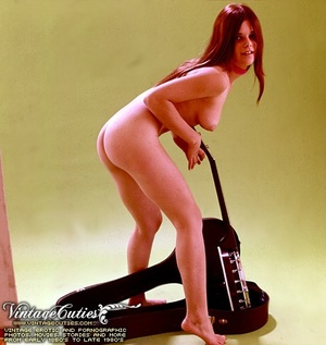 Superb outdoor vintage nudes of mature b - XXX Dessert - Picture 7
