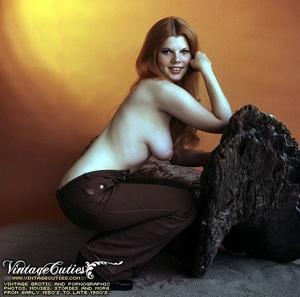 Superb outdoor vintage nudes of mature b - XXX Dessert - Picture 8
