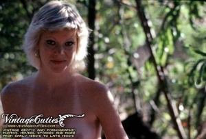 Superb outdoor vintage nudes of mature b - XXX Dessert - Picture 9