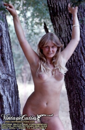 Superb outdoor vintage nudes of mature b - XXX Dessert - Picture 10