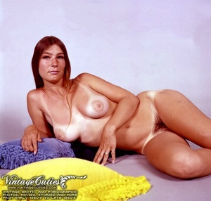 Busty women in hot poses for vintage por - XXX Dessert - Picture 7