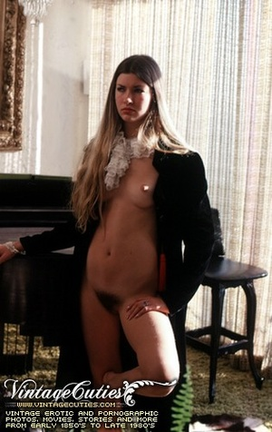 Naked babes with hairy pussy expressing  - XXX Dessert - Picture 1